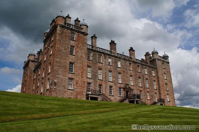 Drumlarig Castle