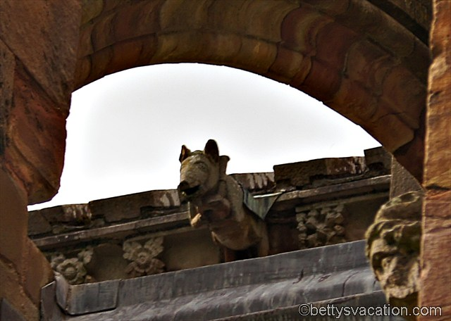 Schweinchen an Melrose Abbey