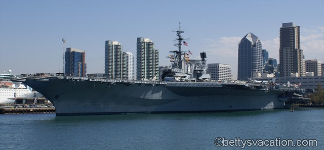 USS Midway (1)