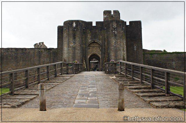 Caerphilly Castle (1)