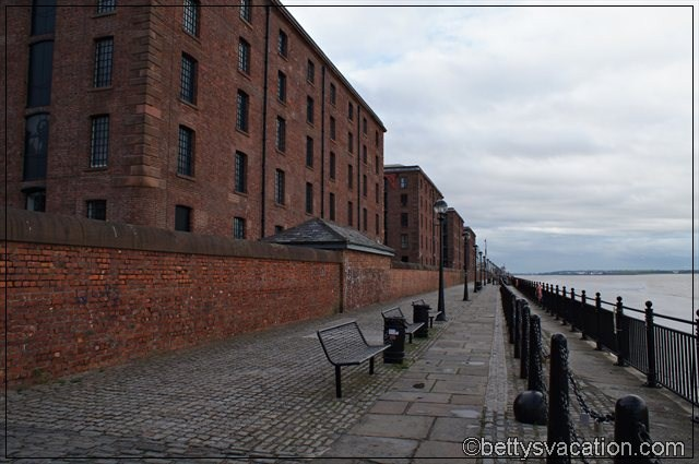 Liverpool (4)