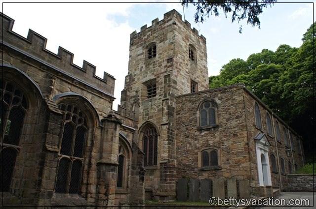 St. Winefriede's Chapel & Holywell