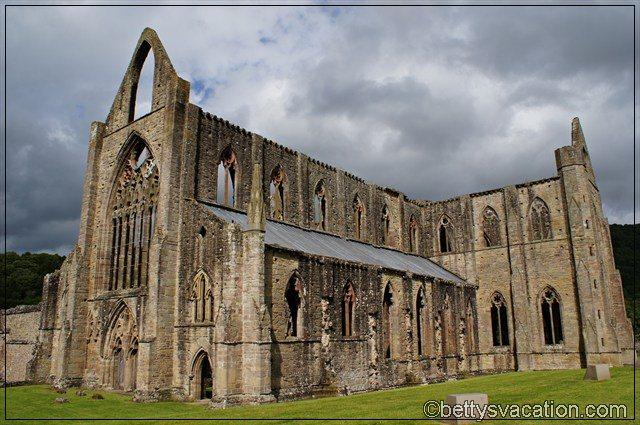 Tintern Abbey (1)