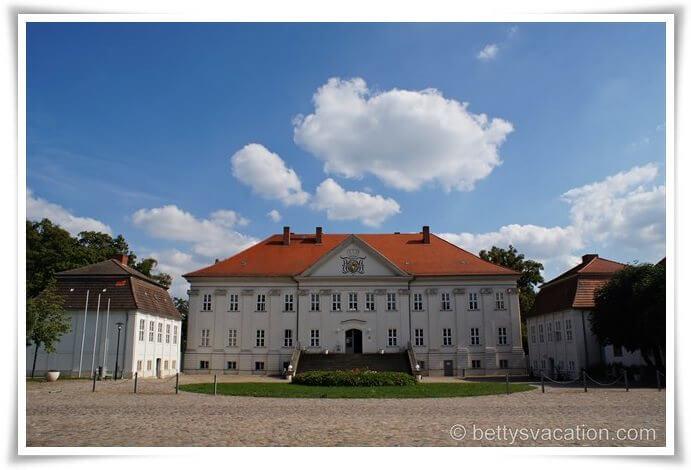 Schloss Hohenzieritz (1)