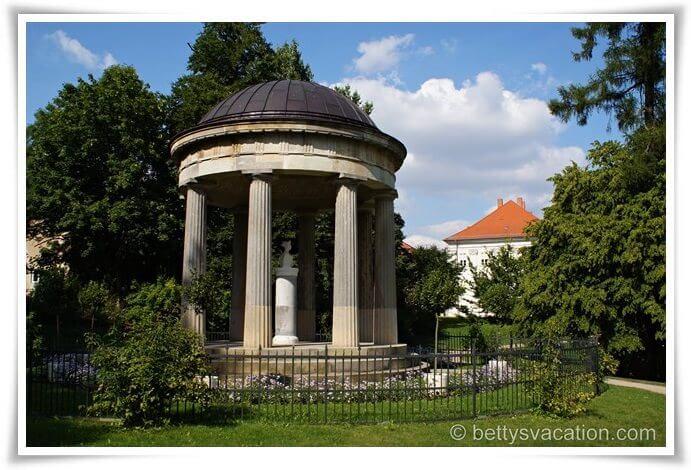 Schloss Hohenzieritz (2)
