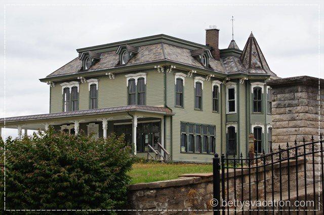 John Deere Home 3