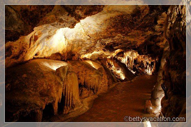 12 - Luray Caverns