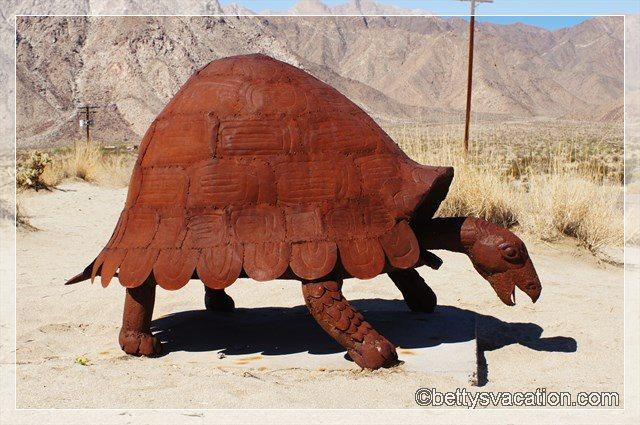 15 - Galleta Meadows Sculptures