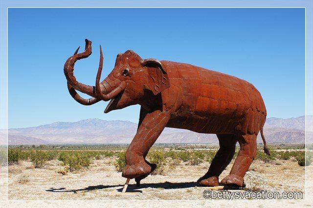 28 - Galleta Meadows Sculptures