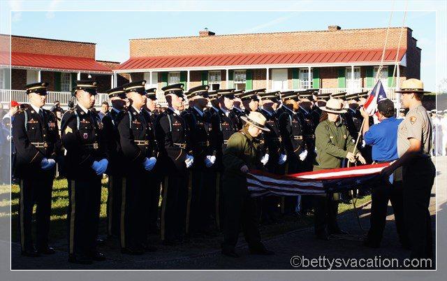 3 - US Flagge einholen