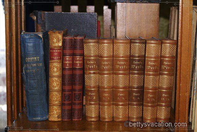 13 - Bücher