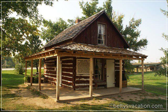 7 - Buckskin Cabin 2