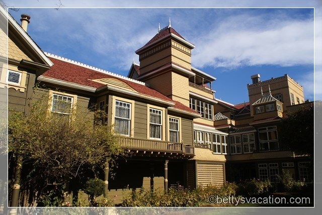 3 - Winchester Mystery House