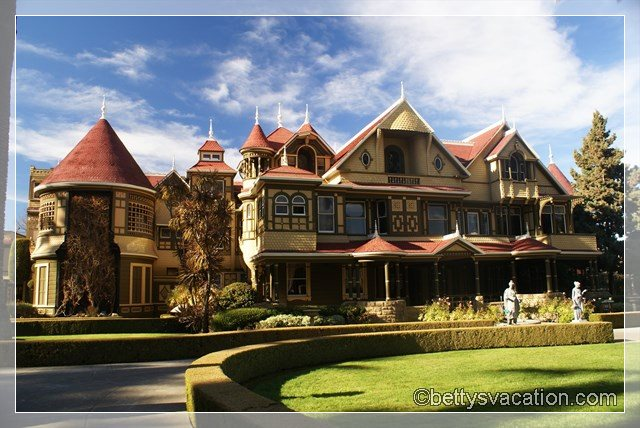 4 - Winchester Mystery House
