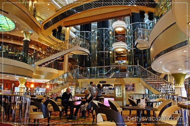 Norwegian Star Atrium