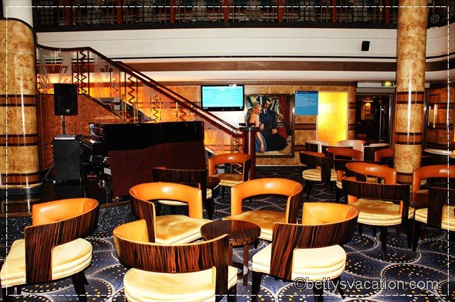 Norwegian Star Great Gadsby Bar
