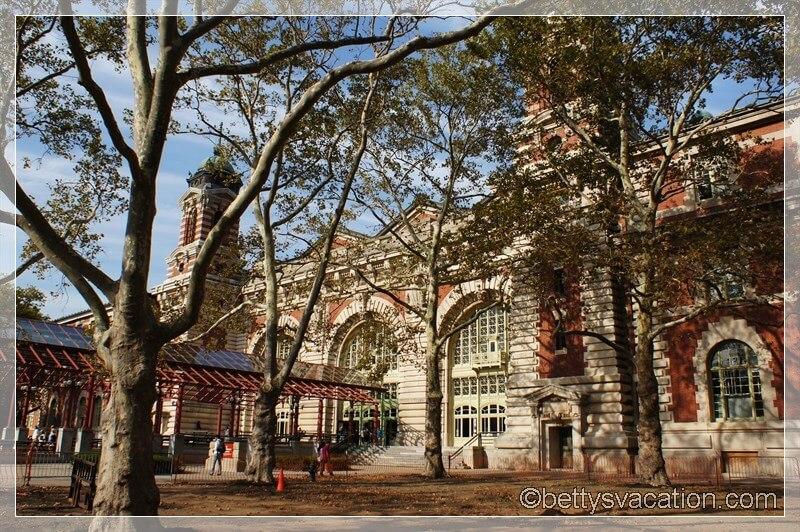33 - Ellis Island