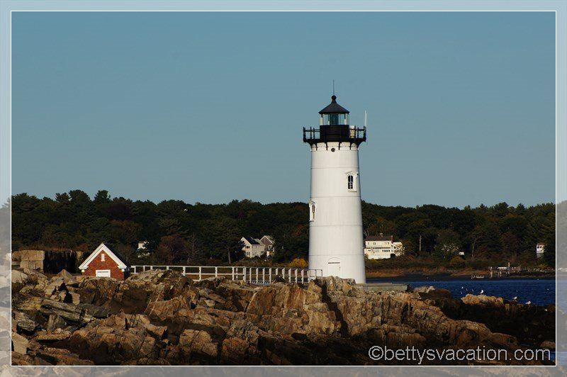17 - Portsmouth Harbor Light