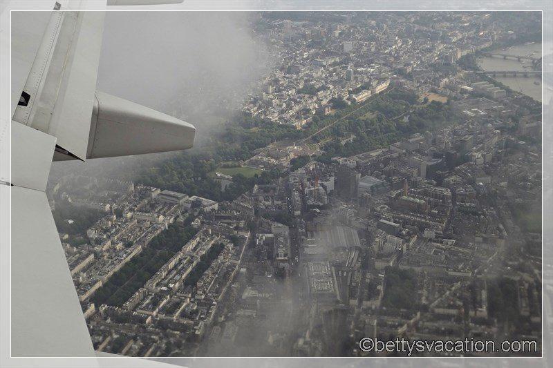 13 - Buckingham Palace