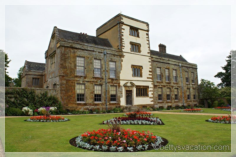 14 - Canons Ashby