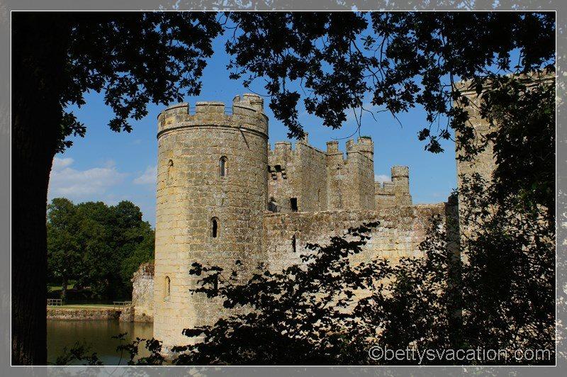 27 - Bodiam Castle