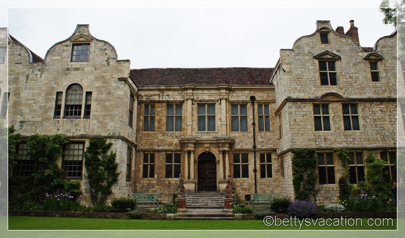 28 - Treasurer's House York