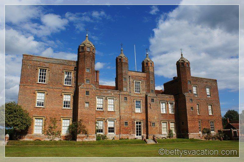 30 - Melford Hall