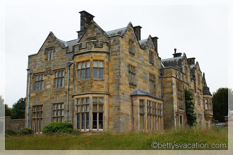 30 - Scotney Castle