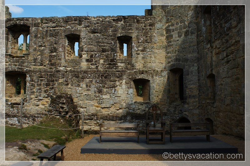 32 - Bodiam Castle