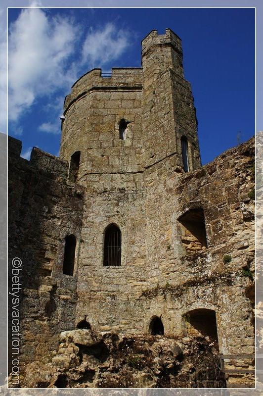33 - Bodiam Castle
