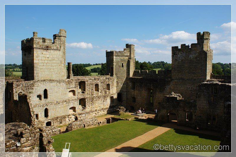 35 - Bodiam Castle
