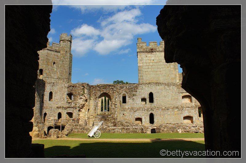 37 - Bodiam Castle