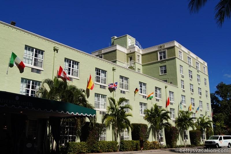 50 - Riverside Hotel