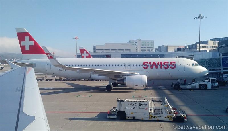 SWISS Business Class A320: Berlin-Zürich