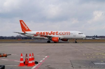 easyJet Economy Class A320: Berlin-Frankfurt
