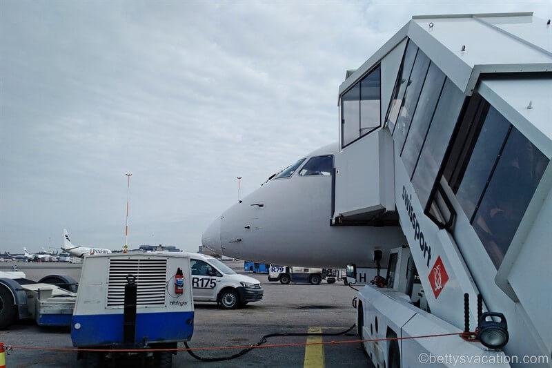 Finnair (Norra) Business Class Embraer 190: Helsinki-Berlin
