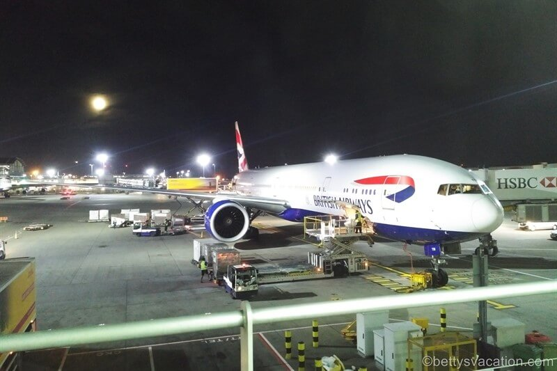 British Airways Club World Boeing 777: London-Hongkong