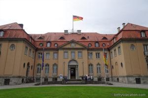 Zu Besuch beim Bundesaußenminister - Villa Borsig, Berlin