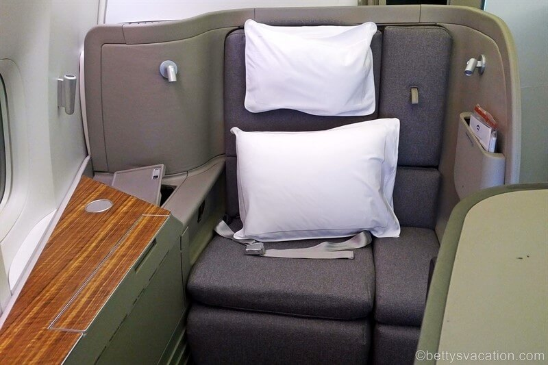 Cathay-Pacific-First-Class.jpg