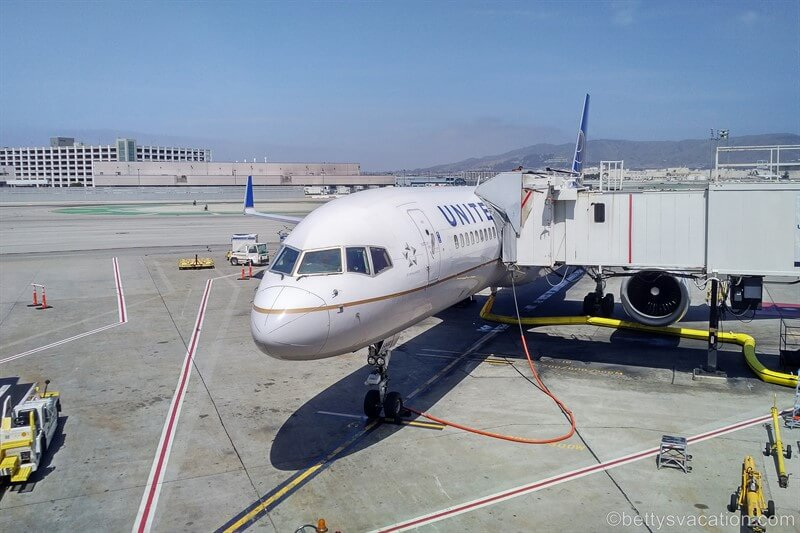 United Airlines First Class Boeing 757: Seattle-San Francisco