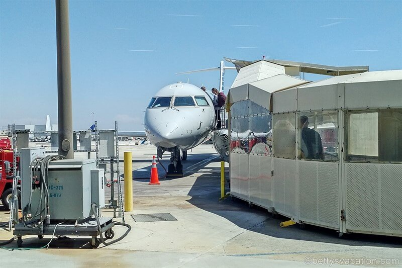 American Airlines First Class Embraer 175: Los Angeles-Seattle