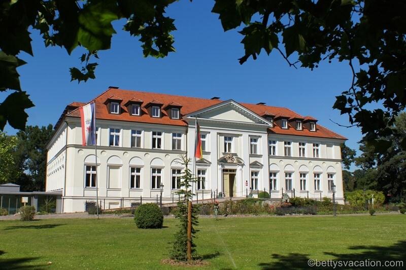 Schlösser und Herrenhäuser in der Mecklenburgischen Schweiz, Teil 1