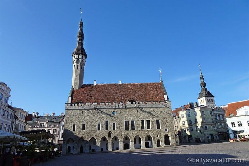 Ein Blick in die Geschichte – Besichtigung des Tallinner Rathauses