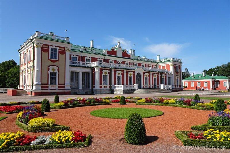 Von Zaren und der Sommerfrische - Schloss und Park Katharinenthal (Kadriorg), Tallinn, Estland