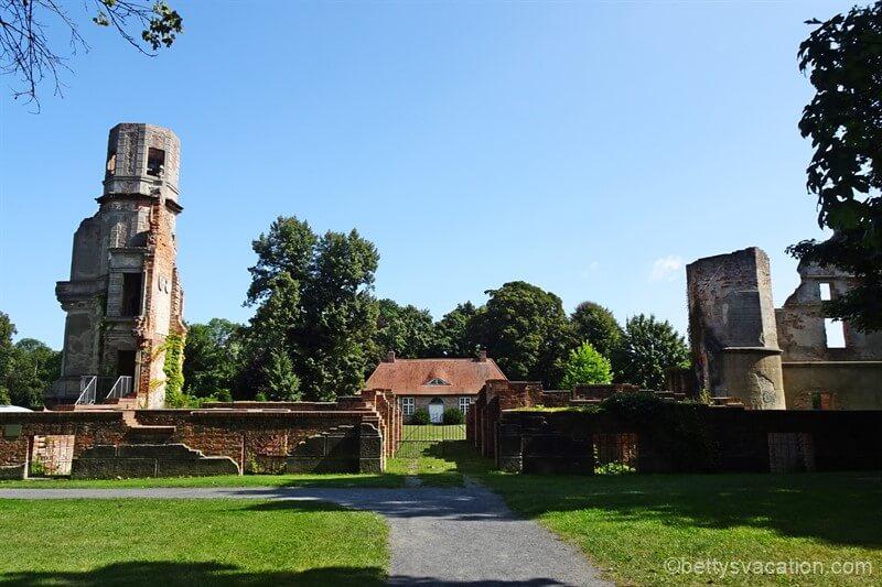 Schlosspark und Schlossruine Pansevitz, Insel Rügen, Mecklenburg-Vorpommern