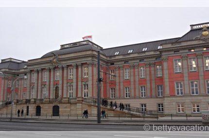 Zu Gast im neuen Brandenburger Landtag